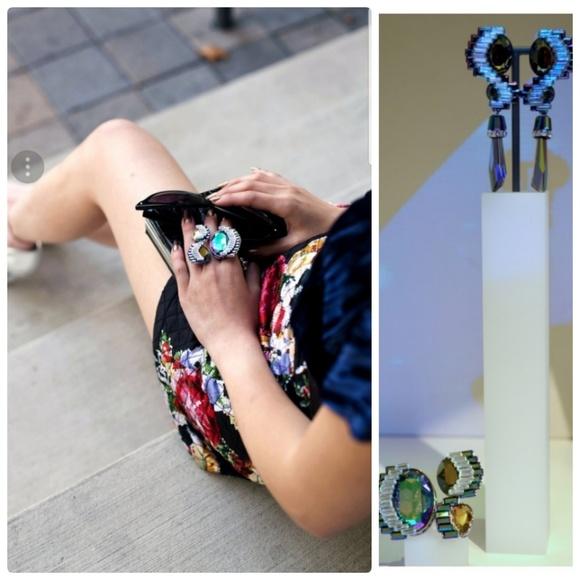 653c2f48d9266 bnib SWAROVSKI FLUORESCENT 2 pc Earrings Ring Set